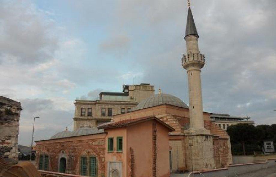 İstanbul Ah'i Çelebi Camii Elektrikli Yerden Isıtma