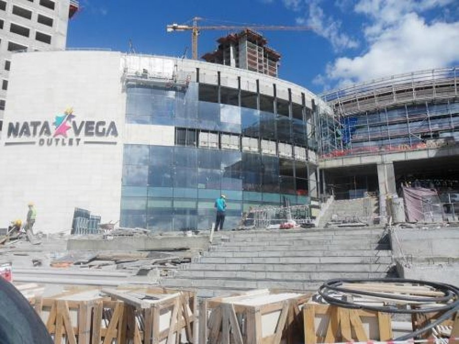 Nata Vega Shopping Mall Walkways and ramps Snow-Melting System