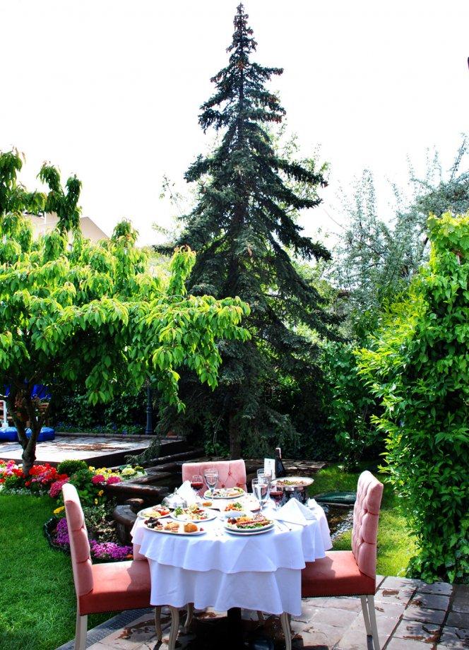 Mayıs 2008- Şehrin En Keyifli Bahçesi Fotoğrafı
