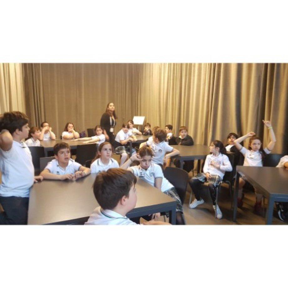 """4. Sınıf Öğrencilerinin Enerji Müzesinde """"Kim Bilim İnsanıdır?"""" adlı interaktif atölye çalışması."""