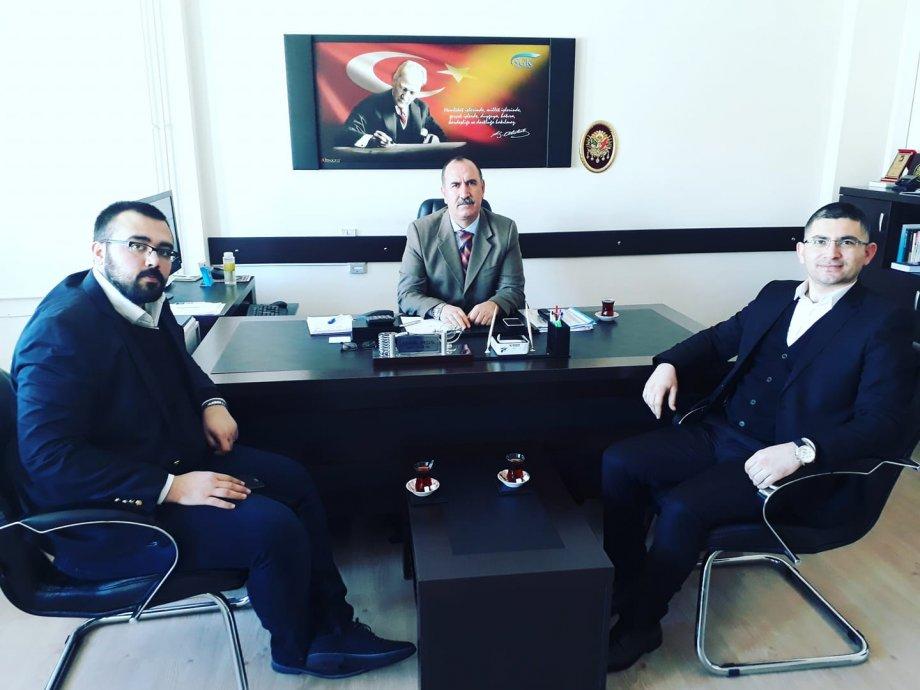 Aksaray SGK İl Müdür Y. Kemal Baysal Beyefendiyi Makamında Ziyaret Ettik. Özelde Aksaray ve gençlik üzerine hasbihal ettik.