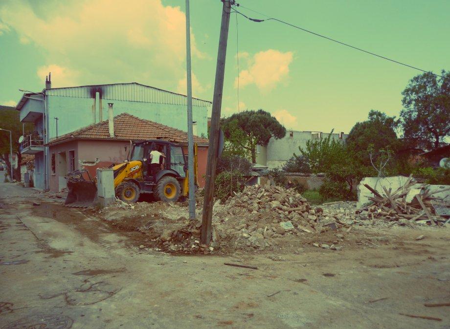 Gaziemir konut projemizde yıkım yapıldı
