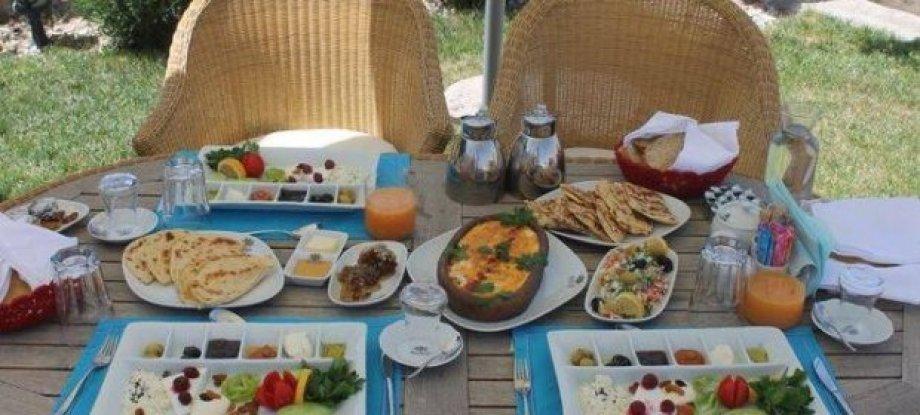Anatelein'de Kahvaltı