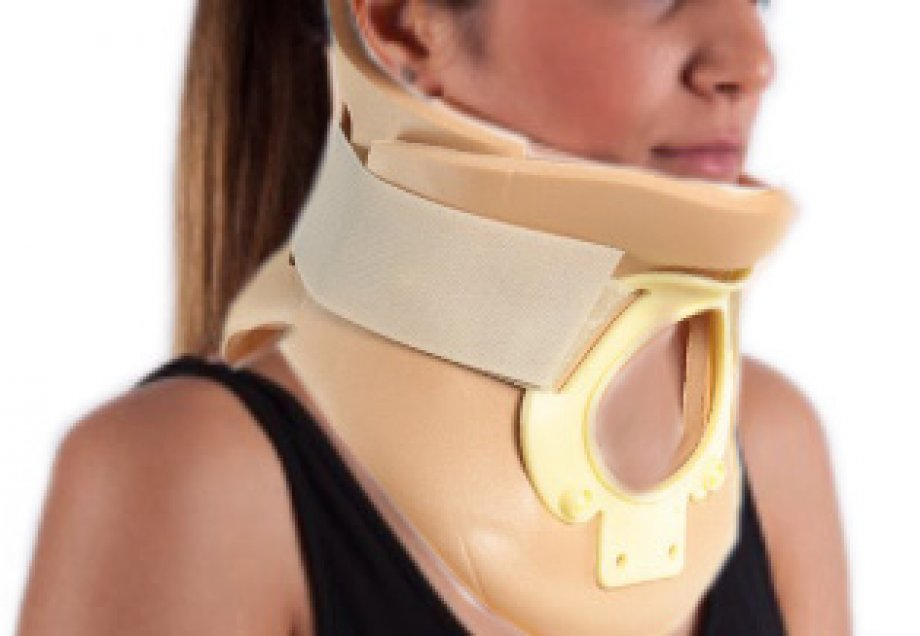 AB - 4272 ADELBRAND Philadelphia Cervical Collar with Tracheostomy - opening