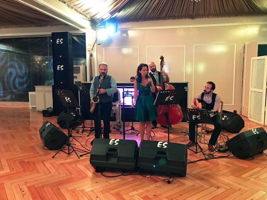 Orkestra & Sanatçılar | Orchestra & Singers