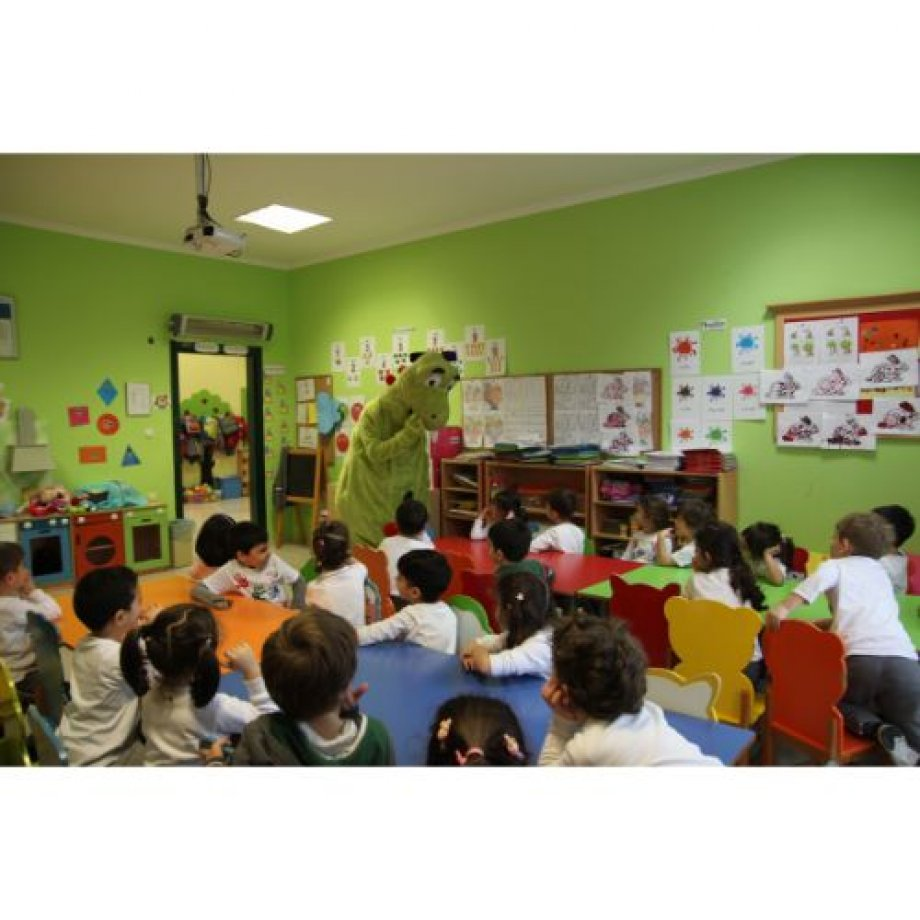 Anasınıfı öğrencilerimizin sevdiği karakter DEX okulumuzu ziyarete geldi.