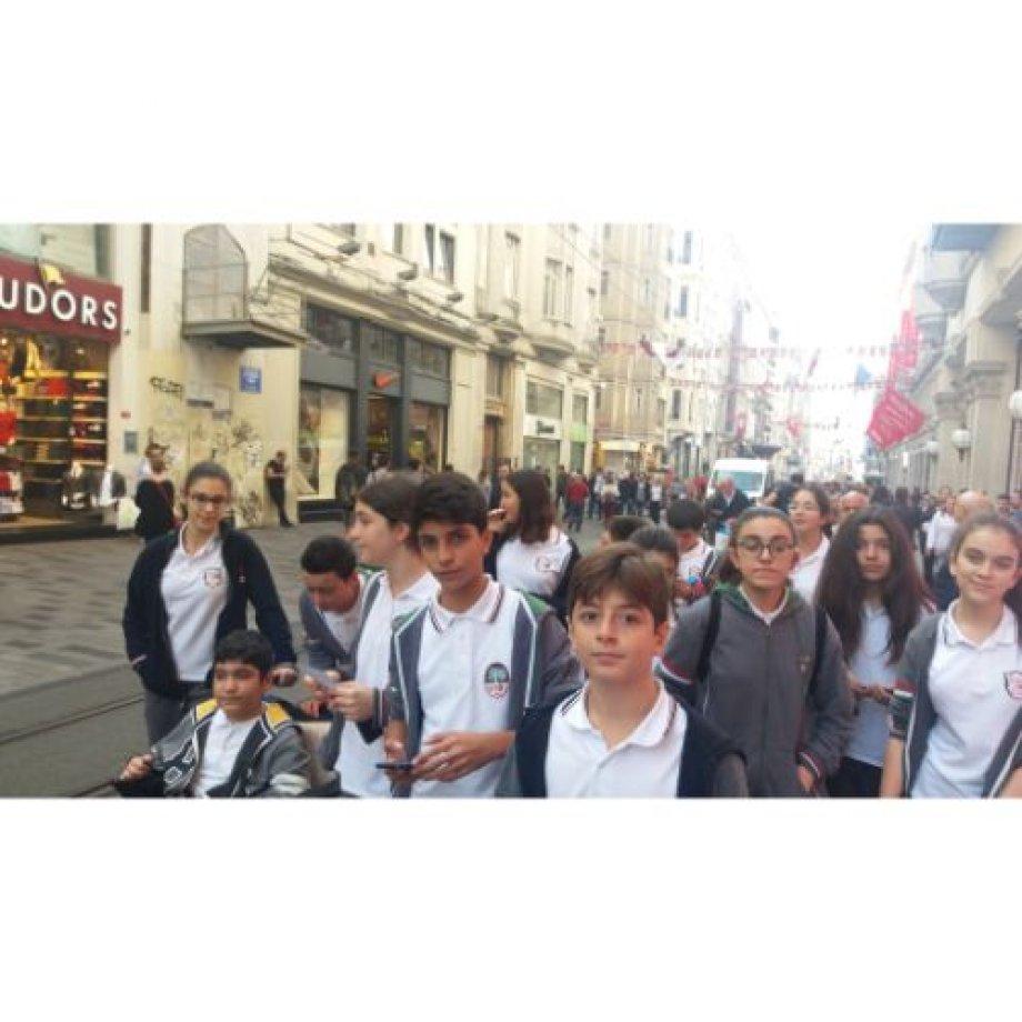 8.Sınıf öğrencilerin Madame Tussauds Gezisi
