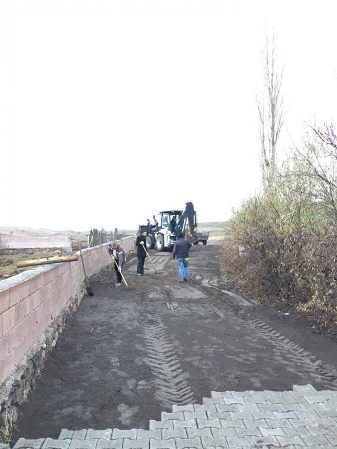 Umutlu Beldesi ve Mahallelerine Kilit Parke Taşı ile Yol Yapım İşimiz Teslim Edilmiştir.