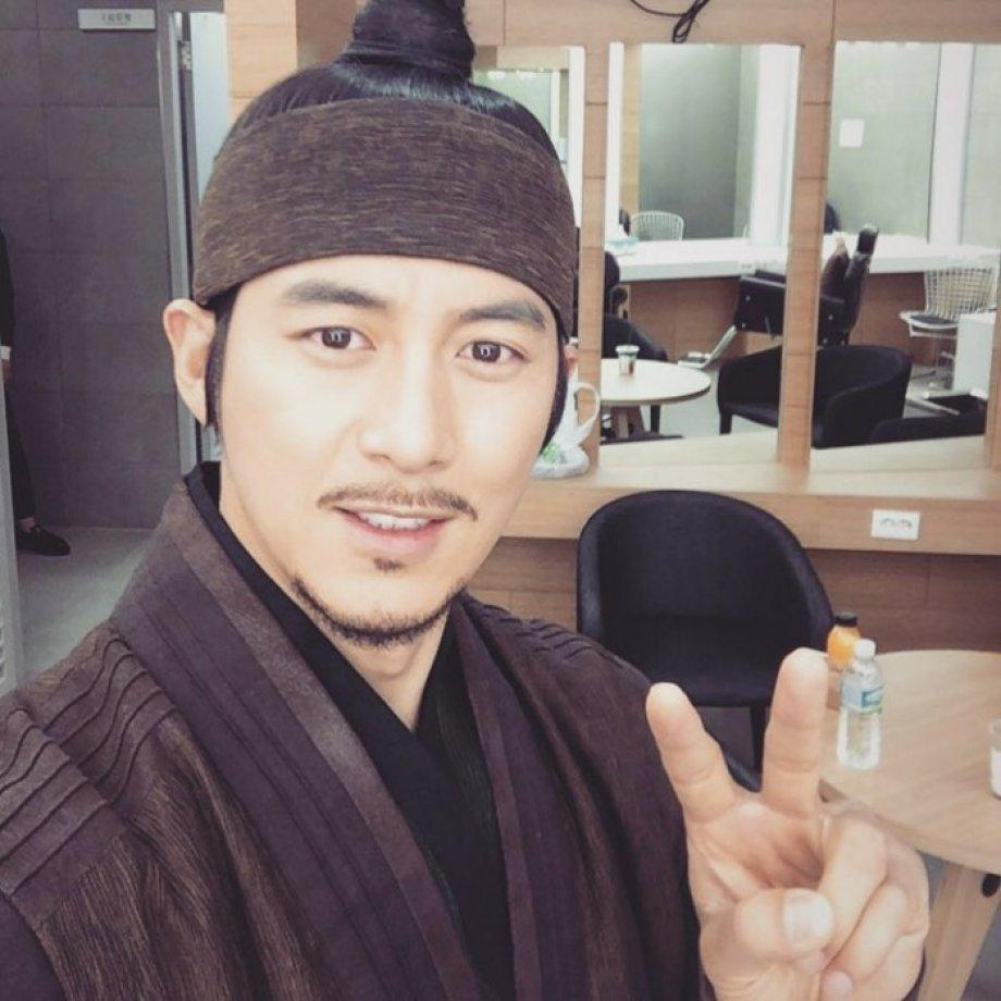Ko Soo kimdir? (Yoon Tae-Won)