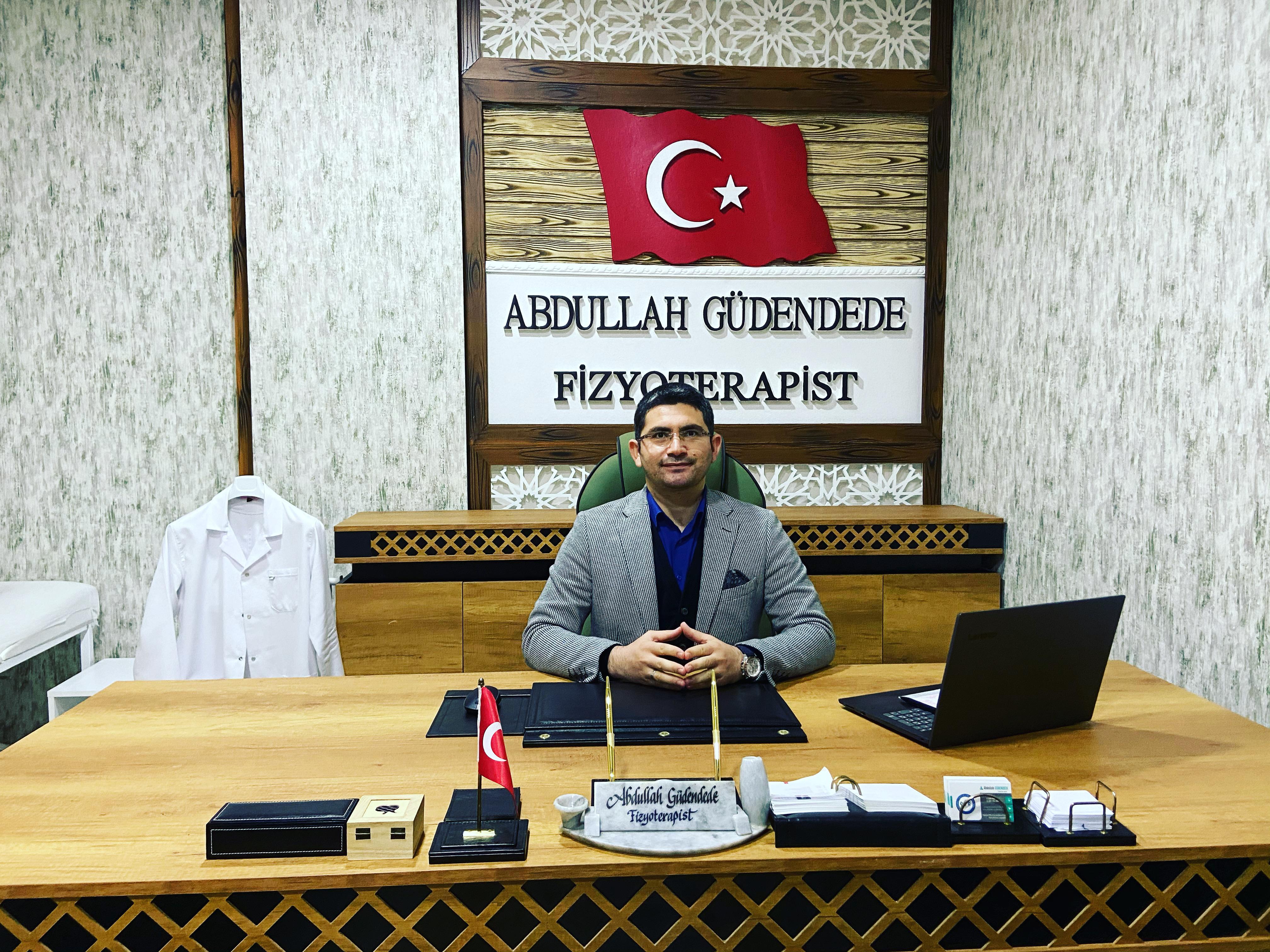 Basın açıklaması, ünlü fizyoterapist Abdullah Güdendede